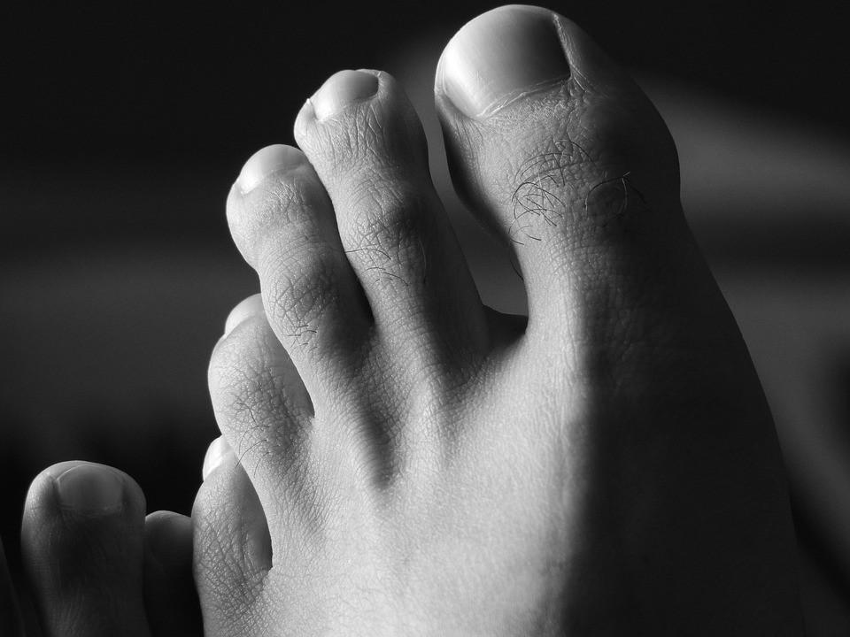 Боли в пальцах ног ночью: причины и способы избавиться от нее.