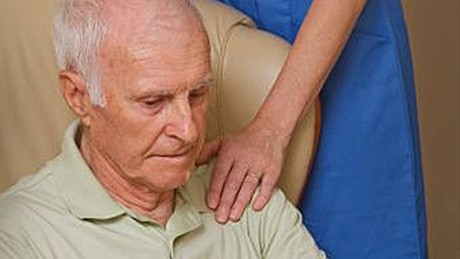 Вызывает ли болезнь Паркинсона атрофию мышц?