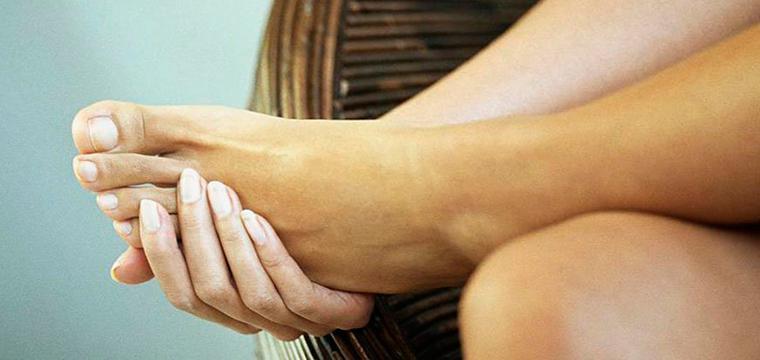 Онемение большого пальца ноги причины и его лечение.