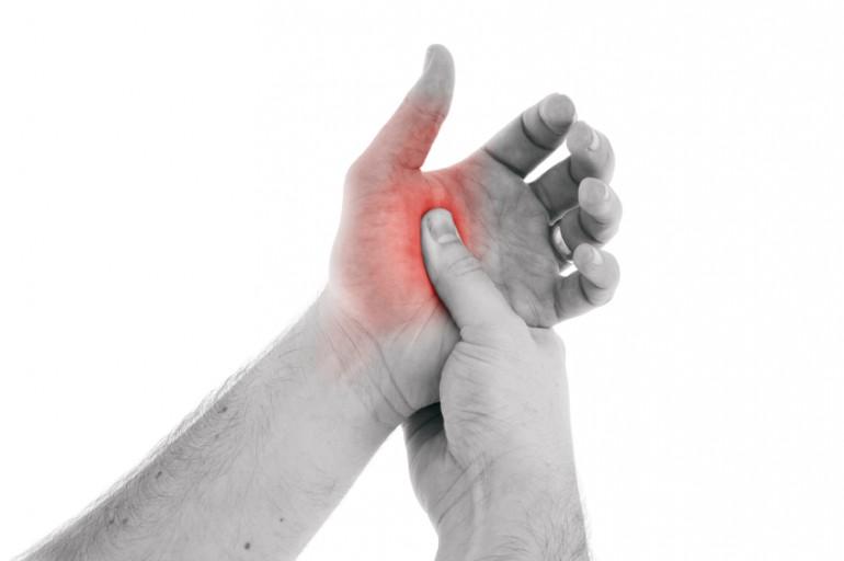 Боль в запястье и большом пальце причины и лечение
