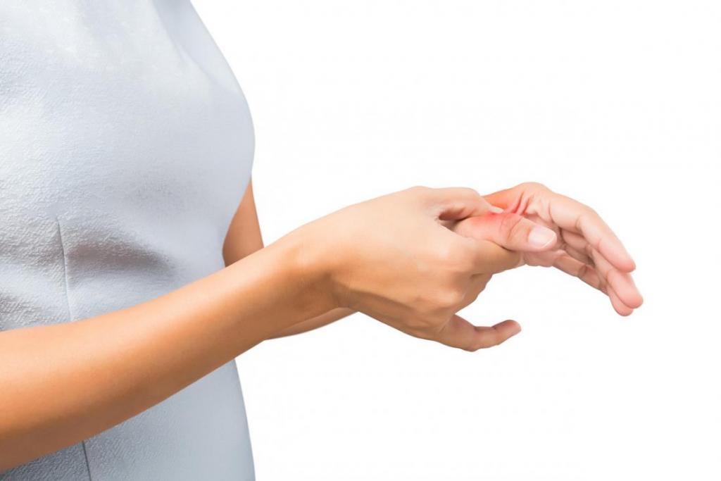 Покалывание в пальцах: причины, симптомы, лечение.