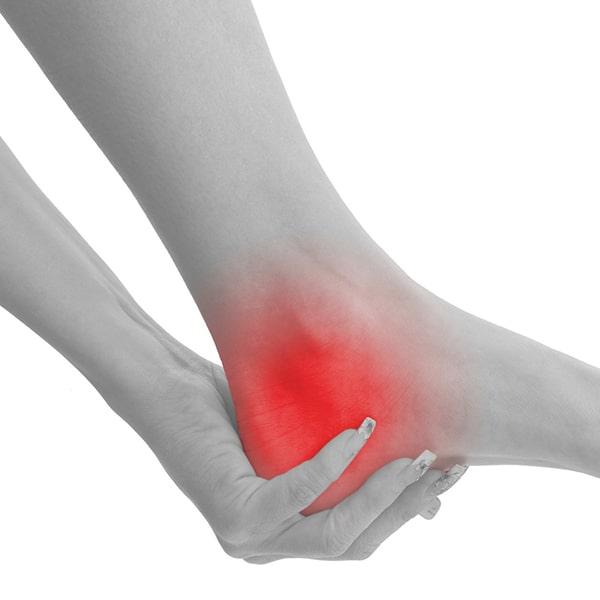 5 основных причин возникновения боли в пятке.