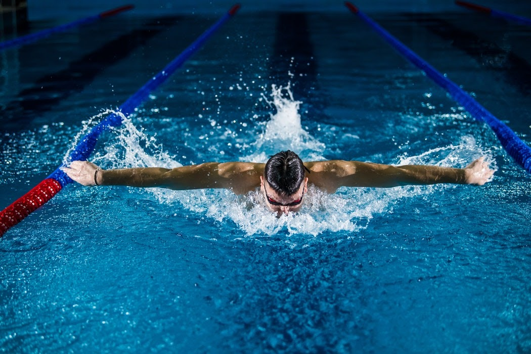 Полезно ли плавание для спондилолистеза?